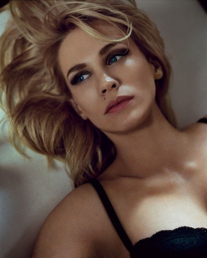January-Jones-Vogue-Aug-2014-4.jpg