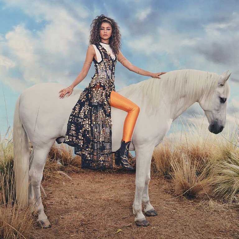 Zendaya-Glamour-Nov2017-4.jpg