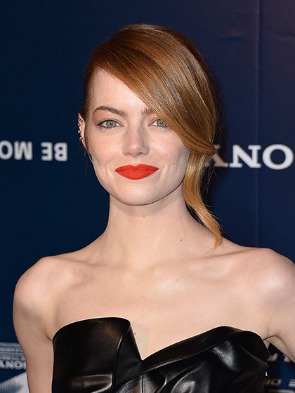 emma-stone-spider-man-red-carpet-05.jpg