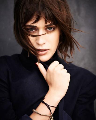 Lizzy Caplan-Details Oct 2012