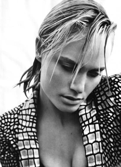 Marie Claire-Amber Valletta Feb 2010-3
