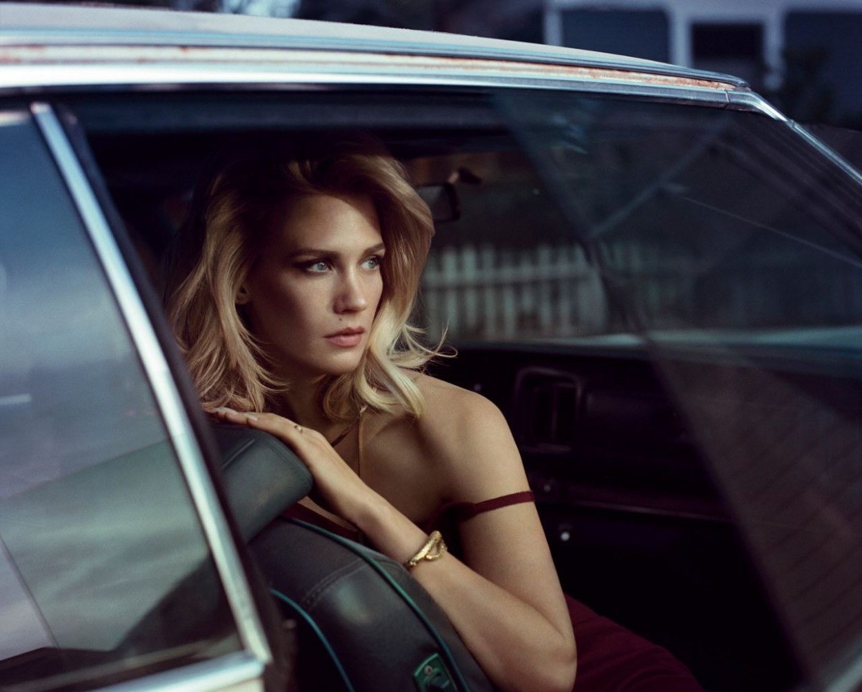 January-Jones-Vogue-Aug-2014-11.jpg