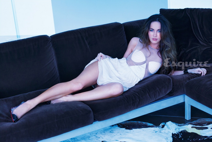 Megan-Fox-Esquire-2013-051.jpg