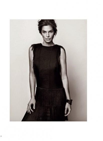Cindy-Crawford-Harper-Bazaar-Russia-10.jpg